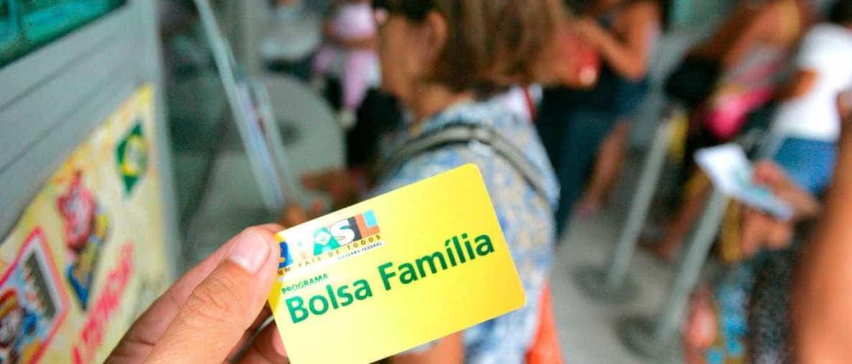 Resultado de imagem para Mais de 140 mil beneficiários do Bolsa Família terão cadastro revisado na Bahia