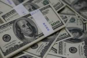 Balança comercial tem déficit de US$ 724 milhões