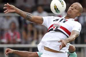São Paulo promete punir Luis Fabiano de forma exemplar