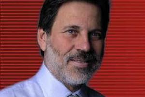 Luís Roberto Barroso impede viagem de Delúbio Soares