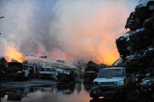 Incêndio atinge depósito de carros apreendidos em ações da Polícia Civil
