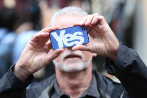 Escócia: pró-independência ganha forma na véspera do referendo