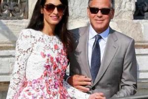 Amal diz que Oscar de la Renta fez seu casamento mais