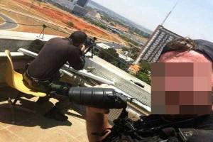 Policial faz 'selfie' durante sequestro em hotel de Brasília