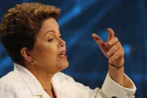 Dilma recebe apoio de movimentos sociais