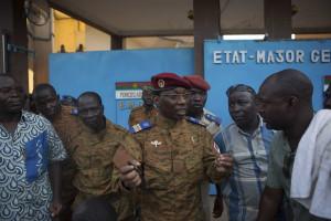 Presidente da Burkina Fasso anuncia renúncia
