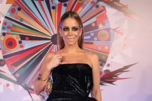Figurino de Danielle Winits na festa da Globo vira motivo de piada