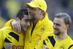 Dortmund vence o Eintracht Frankfurt e sonha com europa