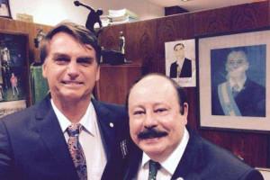 Levy Fidelix planeja concorrer ao lado de Jair Bolsonaro