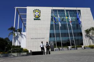 Polícia Federal se prepara para fazer buscas na sede da CBF