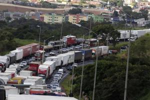 Governo avalia estender prazo de concessões de rodovias