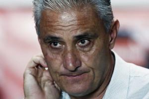 Corinthians só empata com o Goiás e segue fora do G4