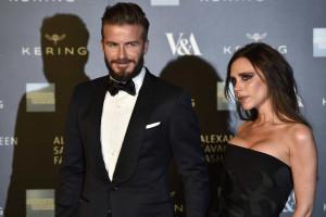 Beckham e Victoria celebram aniversário de casamento com churrasco