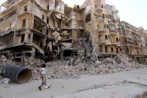 Mais de 30 mortos em queda de avião e bombardeios na Síria