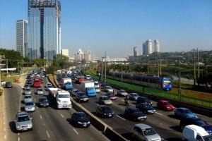 Baixa umidade do ar deixa São Paulo em estado de atenção
