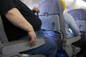 Homem processa cia. aérea por ter que sentar ao lado de obeso