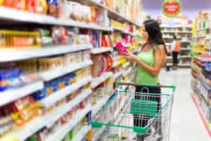 Reajuste da energia elétrica pode impactar preços nos supermercados