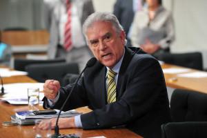 Para oposição, prisão de Dirceu deixa PT em situação ainda mais difícil