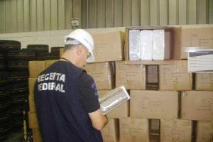 Receita prorroga prazo de alfandegamento no porto de Itajaí