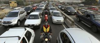 Vias têm tráfego intenso na saída do feriado em São Paulo