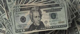 Dólar volta a operar em queda nesta sexta-feira