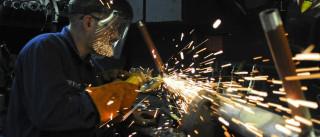Indústria tem maior queda para o primeiro trimestre em sete anos