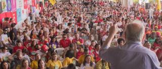 Frente Brasil Popular reúne 700 manifestantes em Belo Horizonte