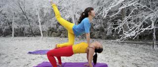 """10 lugares """"incomuns"""" para a prática da yoga"""