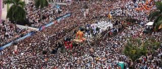 Milhaeres de devotos de Maria participam de procissões no Para
