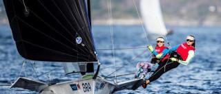Martine Grael e Kahena Kunze  assumem vice-liderança no Mundial