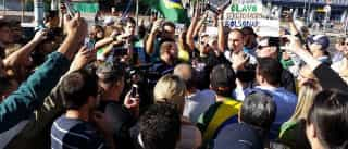 Manifestantes a favor de Bolsonaro defendem Cel. Ustra em SP; assista!