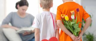Quase metade dos filhos gastará menos com presente para mães