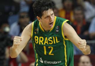 Brasil joga mal, mas vence a primeira na Copa América de Basquete