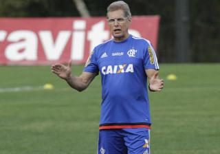 Oswaldo de Oliveira confirma Kayke no lugar de Guerrero no Flamengo