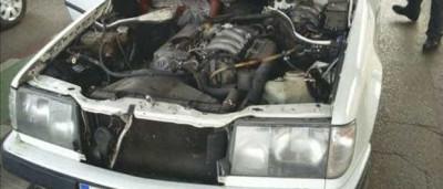 Polícia encontra imigrante escondido em motor de carro na Espanha