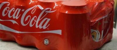 Coca-Cola teria pago para esconder efeitos da bebida, diz jornal