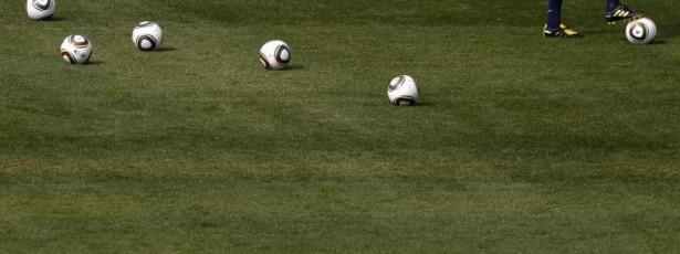 Meia da Austrália sofre grave lesão e pode perder Copa