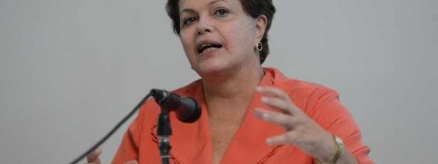 Dilma sanciona lei que estende licença-maternidade às militares