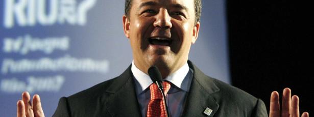 Sérgio Cabral abdica de candidatura ao Senado