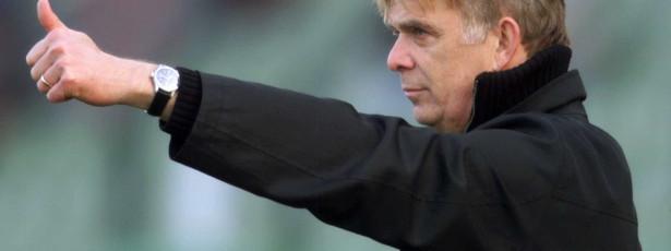 Técnico diz que Camarões pode surpreender na Copa