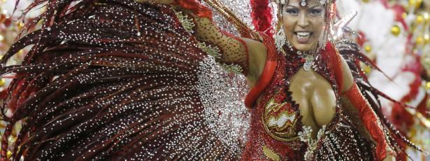 Escolas de samba do Rio iniciam desfiles na noite de hoje
