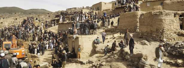 Avalanches no Afeganistão matam mais de 260 pessoas