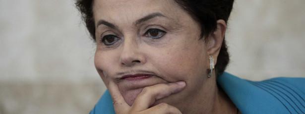 Visão de 'governo com poucos e bons' é atrasada, diz Dilma