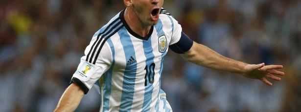 Argentina vence Equador e Martino se desculpa por ausência de Messi