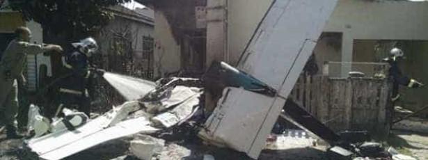 Queda de avião em Curitiba deixa dois mortos