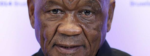 Primeiro-ministro do Lesoto denuncia golpe, foge e pede intervenção militar