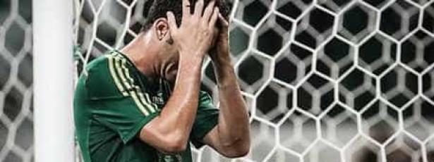 Torcedores pincham novo estádio do Palmeiras