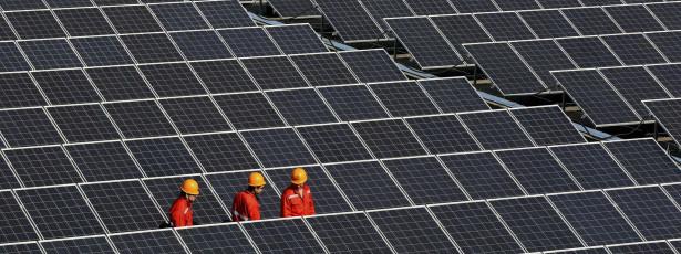 Avião solar prepara volta ao mundo a partir de Abu Dhabi