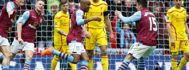 Liverpool leva virada e Aston Villa vai à final
