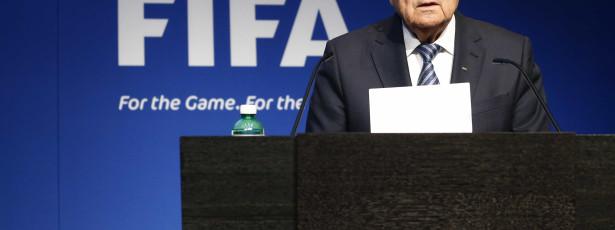 Após escândalo na Fifa, Joseph Blatter tenta limpar seu nome